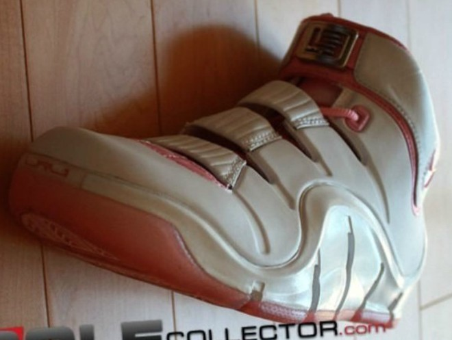 nike-lebron-4-gloria-sample-2007_m0ad2q (2)