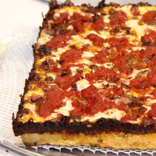 detroit-style-pizza-product5